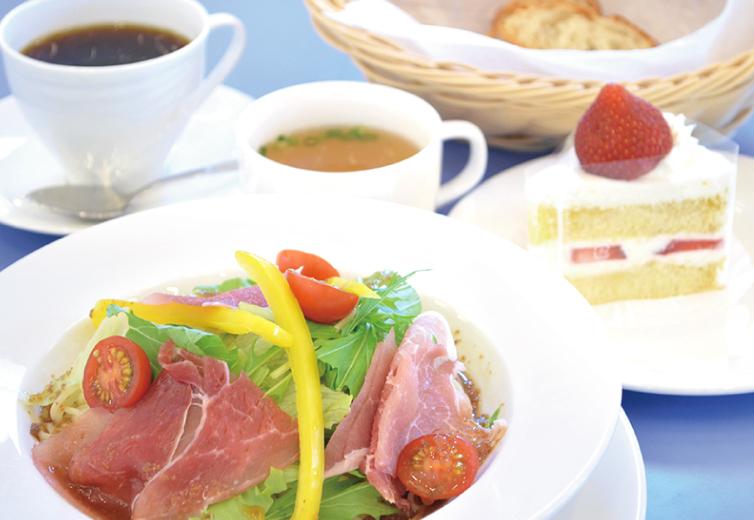生ハムと彩り野菜の冷製パスタ